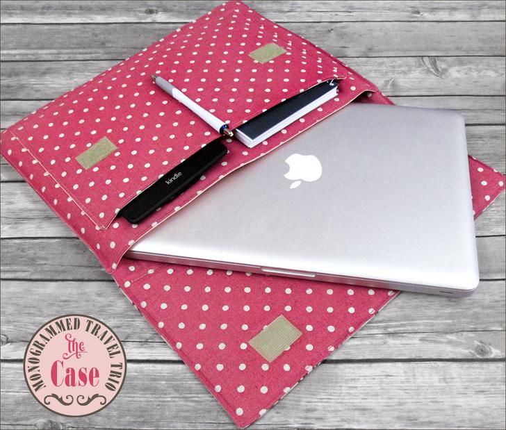 56baa7671cff Дизайнер Алисия разработала комплект из большой сумки и чехла для ноутбука  (органайзера). Этот чехол ...