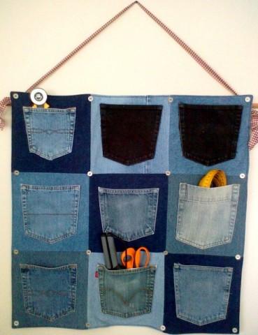 На стену из джинсов своими руками