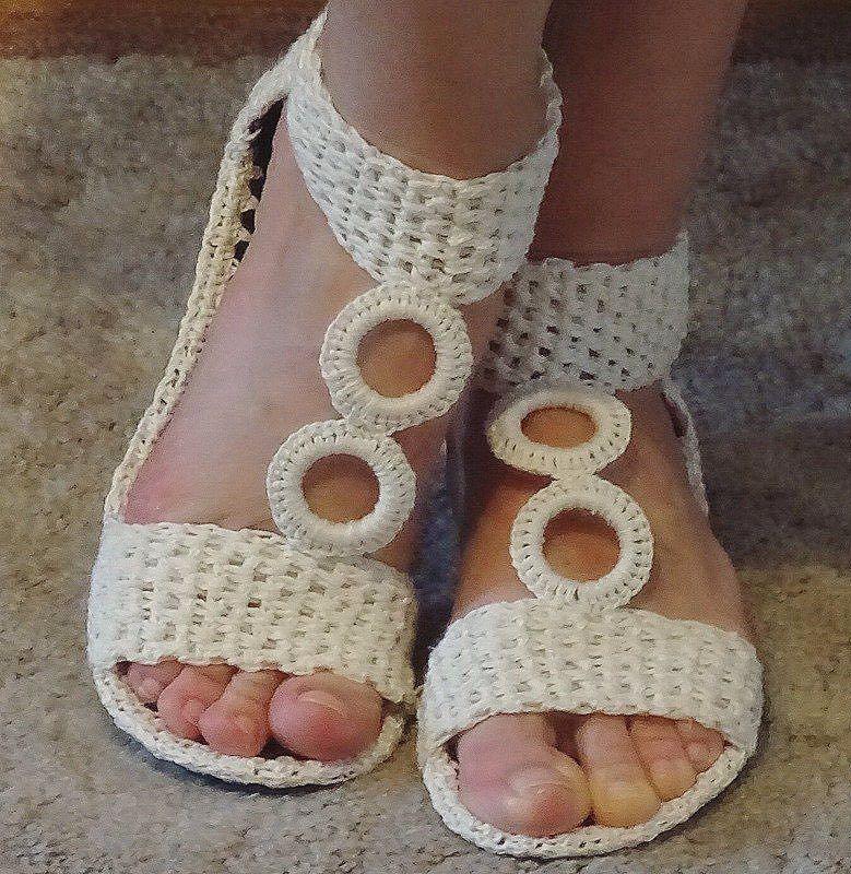 Оригинальная обувь крючком